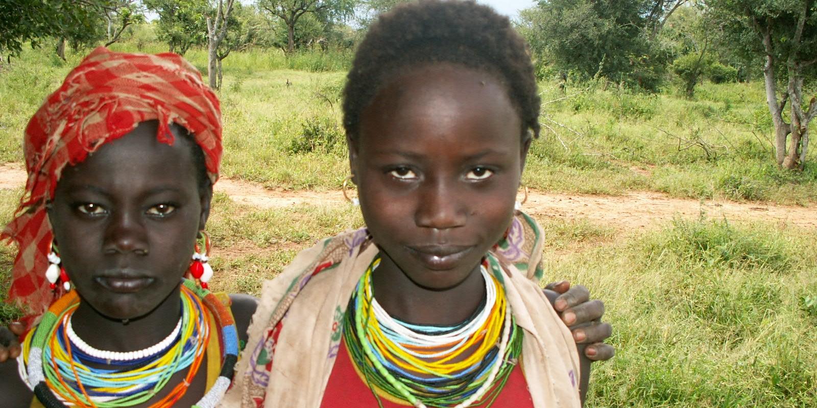 To unge kvinner i Pokot